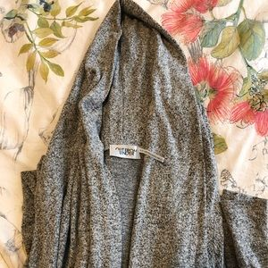 Urban Outfitters Cardigan in Heather Grey